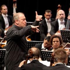Orkester Mariinskega gledališča iz Sankt Peterburga in Valerij Gergijev