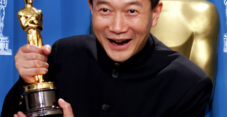 TAN DUN WITH OSCAR FOR BEST ORIGINAL SCORE AT ACADEMY AWARDS