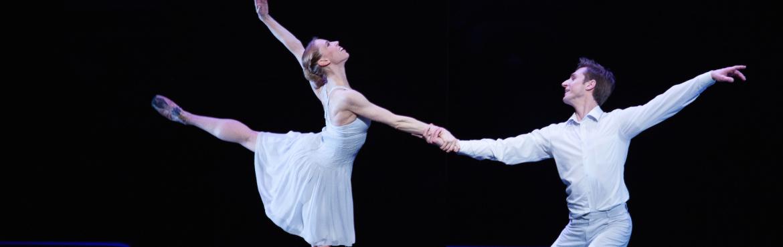 Dagmara Dryl and Maksim Woitiul in Romeo and Juliet by Krzysztof Pastor, Polish National Ballet, photo Ewa Krasucka (2)
